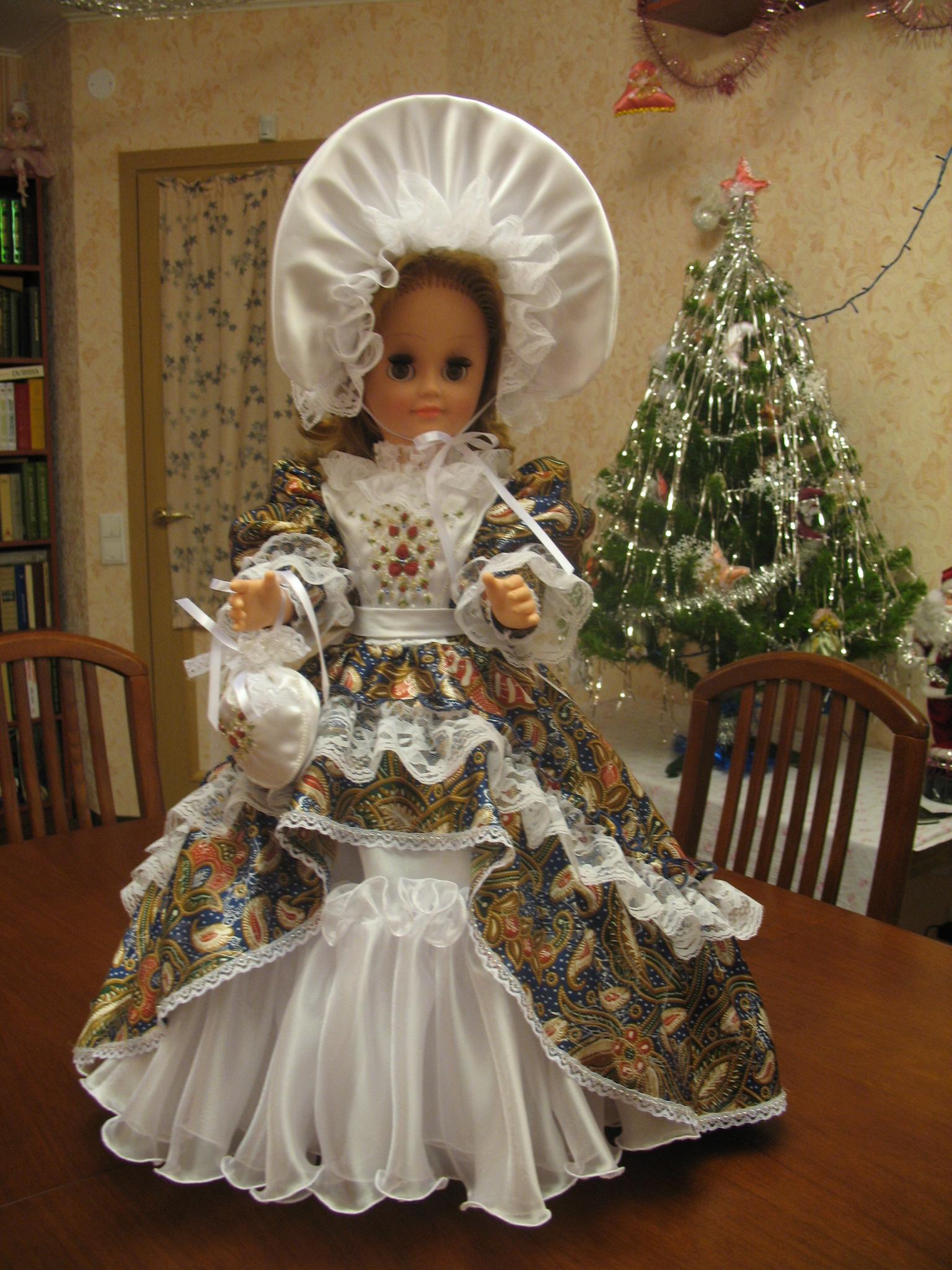 Платье на большую куклу своими руками