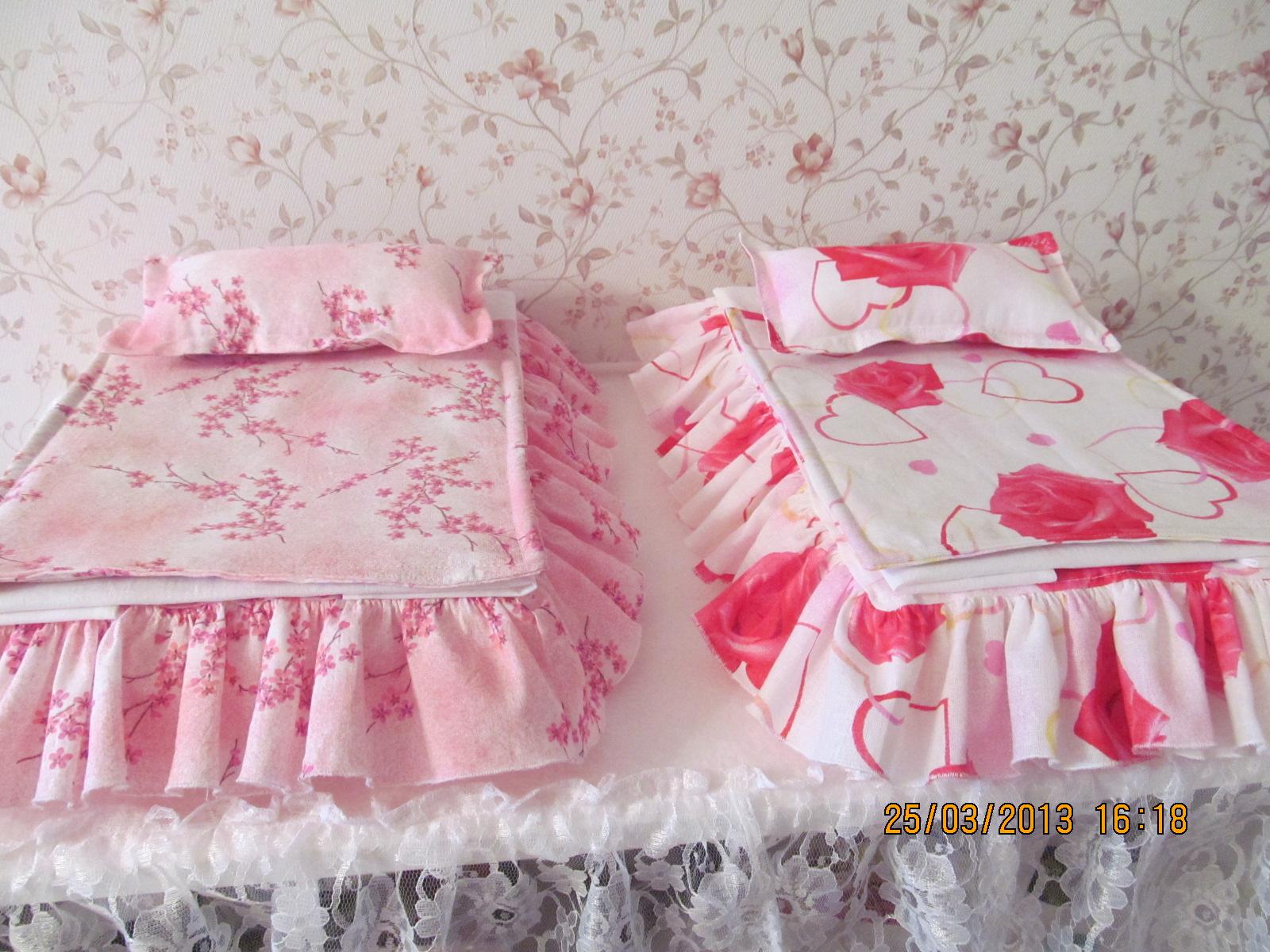 Постель для кукольной кроватки сшить своими руками 22